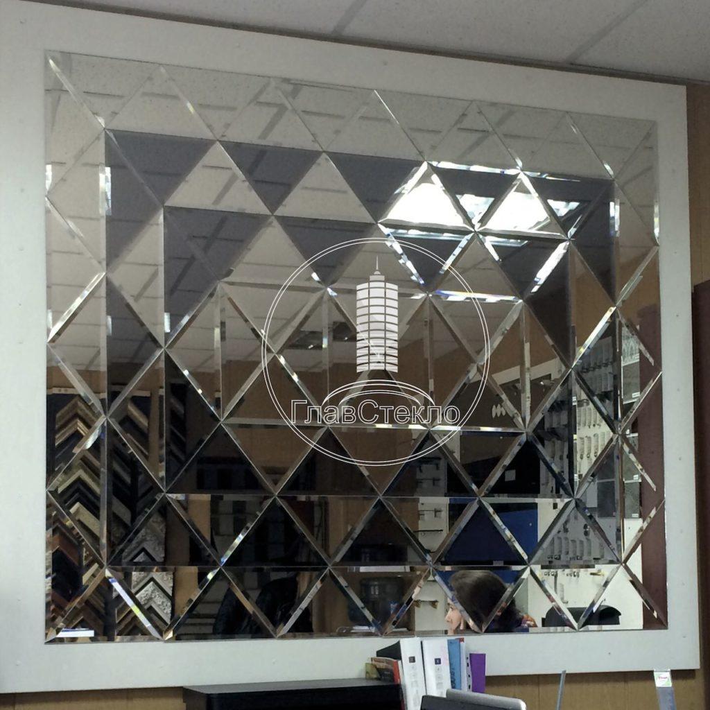 Зеркальное панно треугольниками 3