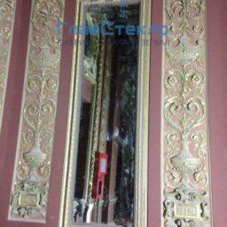 Зеркала в багете в интерьере частного дома 11