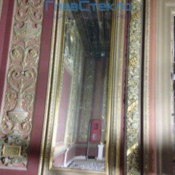 Зеркала в багете в интерьере частного дома 5